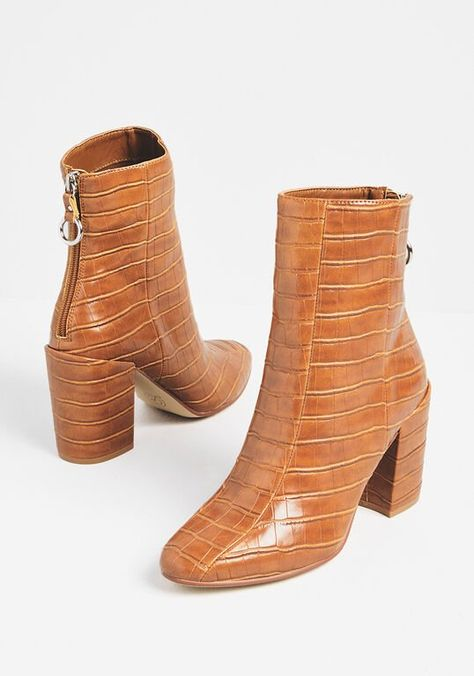 Shoe Boots, Bootie Boots, Shoes Heels, Women's Boots, Ankle Booties, Cute Shoes, Me Too Shoes, Unique Shoes, Brown Ankle Boots
