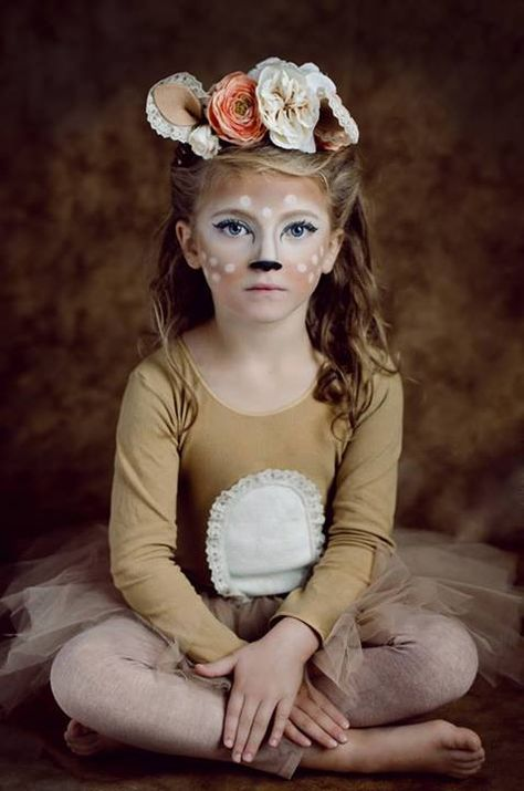 Oh deer! What a sweet Halloween costume!