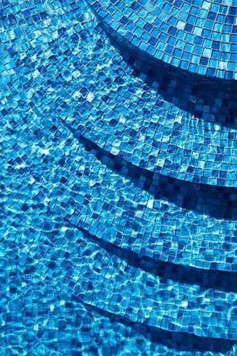 Plain Swimming Pool Glass Mosaic Tile Size 6 X 6 Inch Blue