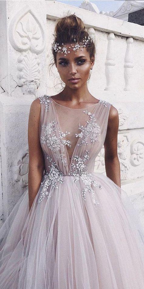 Verführerische Tüll Bateau-Ausschnitt Ballkleid Brautkleider mit Spitzenapplikationen