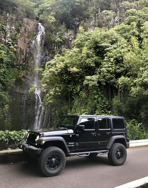 dream cars Lifted jeep along the Road to Hana Jeep Cars, Jeep Truck, Jeep Jeep, Jeep Gladiator, Jeep Commander, Lamborghini, Ferrari, My Dream Car, Dream Cars