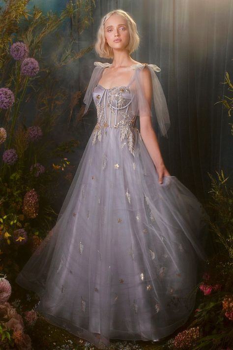Elegant Dresses, Pretty Dresses, Beautiful Dresses, Frilly Dresses, Tutu Skirts, Unique Dresses, Flower Dresses, Beautiful Models, Fairytale Dress