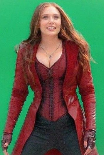 Gorgeous Body Of Elizabeth Olsen Elizabeth Olsen Scarlet Witch