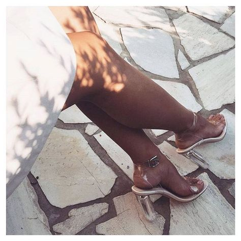 Pretty Feels  @ruya.cllk  ARIANA £29.99 / $40 - Enter code PERSPEX at the checkout for 20% off! Ends 8am BST 19th September  Shop link in bio #EGOSQUAD
