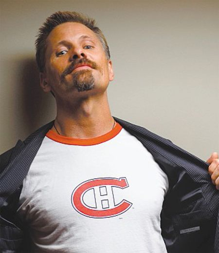 Did you know that Viggo Mortensen of Lord of the Rings fame is a Habs fan?
