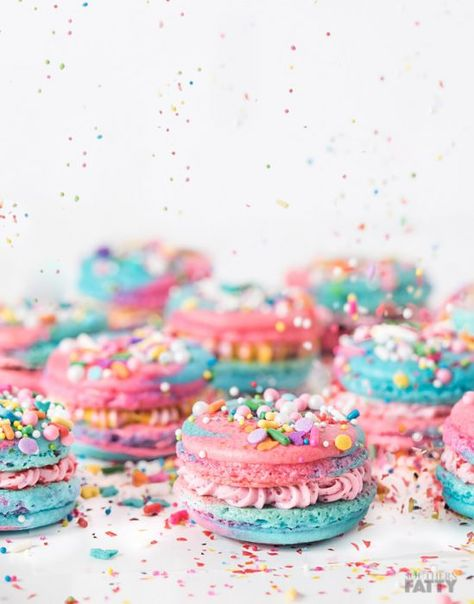 Unicorn macarons recipe using our simple French macaron guide and template. Full of sprinkles and cotton candy buttercream. Easy, colorful recipe.