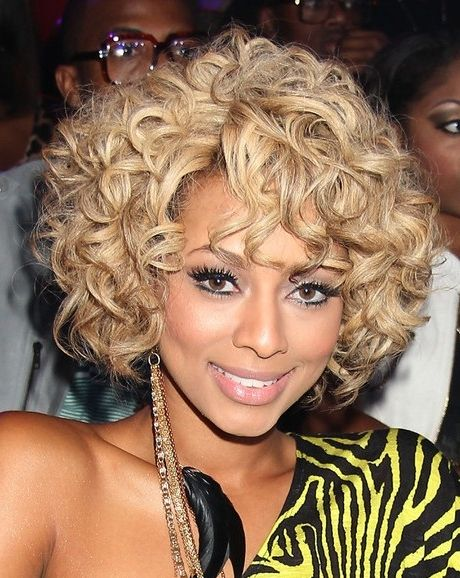 Custom Youthful Beyonce Short Celebrity Wigs Curly Blonde Hair