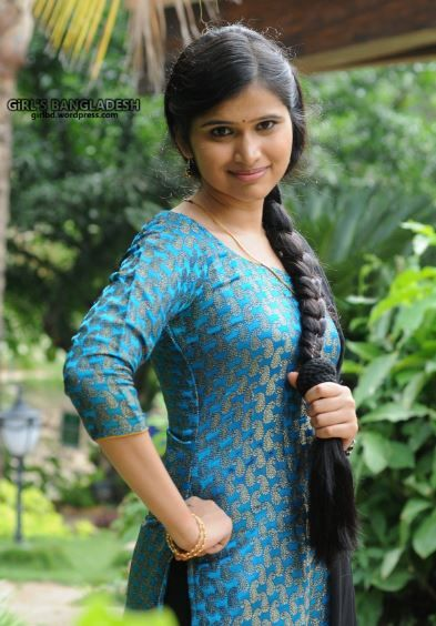 sidhi sadi ladki images | Desi girl in 2019 | Dehati girl