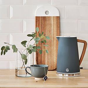 nordic 1.7 litre kettle   Modern