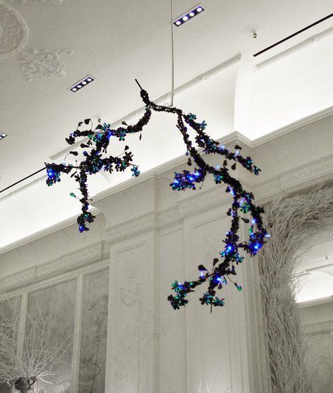 Studiotord Boontje Night Blossom Chandelier Designed In 2003 For Swarovski Site Shows Dimensions And 3 Amazing Photographs