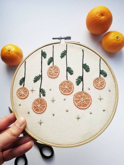 Basic Embroidery Stitches, Christmas Embroidery Patterns, Embroidery For Beginners, Hand Embroidery Patterns, Diy Embroidery, Simple Embroidery Designs, Wedding Embroidery, Hungarian Embroidery, Embroidery Hoops