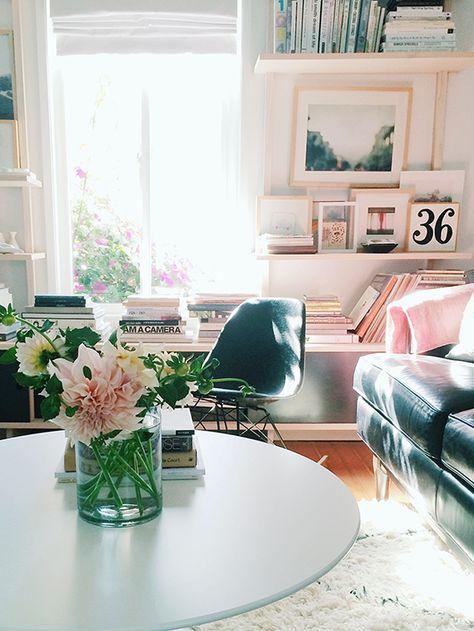 Blush + black decor. #splendidspaces