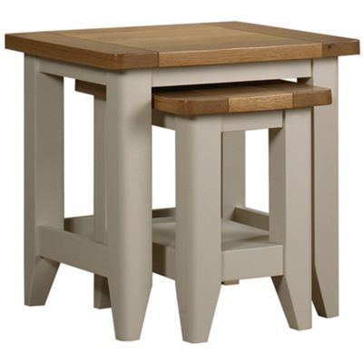 184 Debenhams Oak And Painted Wadebridge Nest Of 2 Tables