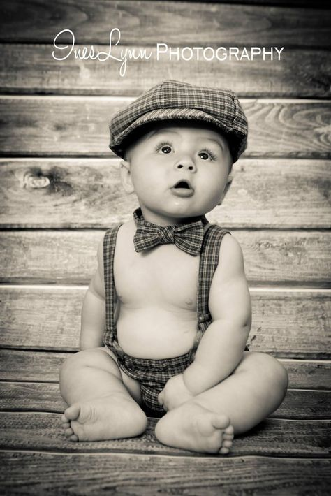6 Month Old Baby Photography ideas. Baby boy photo ideas. Vintage baby photo ideas. Knicker outfit photo idea. InesLynn Photography. Miami, FL photographer.