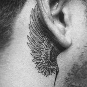 Tatuajes Detras De La Oreja Para Hombres Disenos E Ideas Tatuaje Detras De La Oreja Oreja Tatuajes En La Oreja