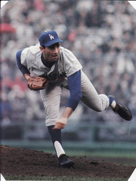 Sandy Koufax: As much as it pains me to praise a Dodger, there's no way you can overlook this guy. For a period of 5 years he may have been the greatest pitcher to ever take the mound. Baseball Star, Dodgers Baseball, Better Baseball, Sports Baseball, Baseball Players, Baseball Cards, Dodgers Nation, Cardinals Baseball, Ny Yankees