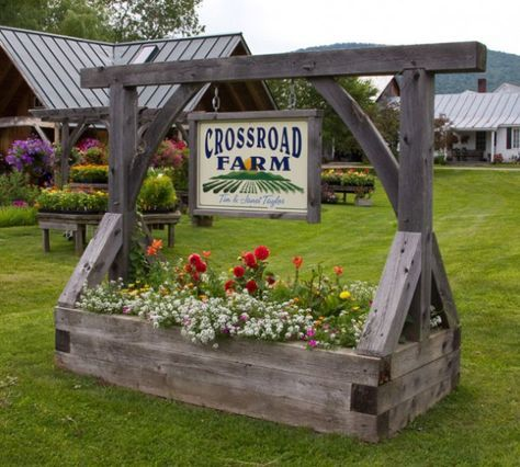 crossroads_farm_sign LOVE LOVE LOVE THIS! This would look amazing on one side of your driveway entrance with one of the other Pins on the other si