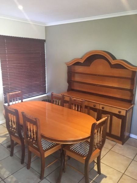Stunning Solid Yellow Wood And Imbuia Dining Room Set Furniture