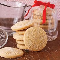 With just one dough recipe, you can create dozens of distinctive cookies.