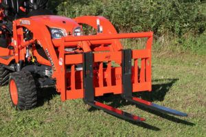 Kubota Bx 36 Quick Attach Pallet Forks Attachments Bxattachments Com In 2020 Kubota Tractor Attachments Kubota Tractors