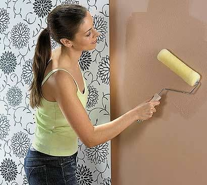 Wallpaper Made Easy Diy Wallpaper How To Hang Wallpaper How To Apply Wallpaper