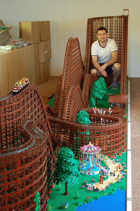 My kids would die over a Lego coaster like this! Love when people create their own diy Lego items! Lego Display, Lego Design, Lego Technic, Lego Duplo, Lego Poster, Casa Lego, Lego Sculptures, Amazing Lego Creations, Lego Craft