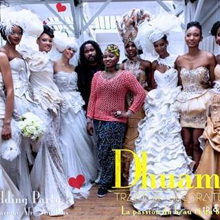 Souvenir 2013 Premier Salon Du Mariage Afro Antillais En France Avec Osiphoto Taniali Christalchignon K Flower Girl Dresses Bridesmaid Dresses Dresses