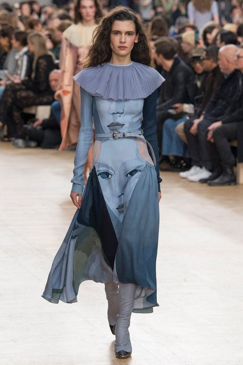 Nina Ricci Fall 2017 Ready-to-Wear collection, runway looks, beauty, models, and reviews ♦๏~✿✿✿~☼๏♥๏花✨✿写☆☀🌸🌿🎄🎄🎄❁~⊱✿ღ~❥༺♡༻🌺