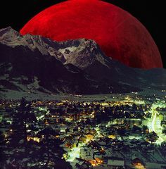 Scary Blood Red moon.