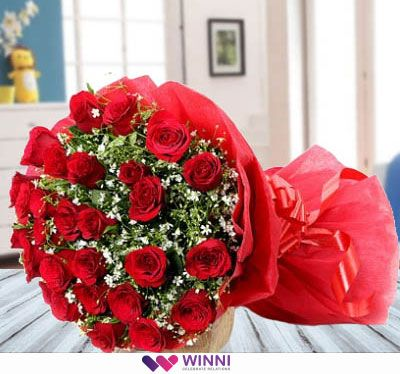 Red Roses Reveal The Deepest Secrets In A Million Little Ways It S Perfect For Showing Your Emotion And T Red Flower Bouquet Red Rose Bouquet Ordering Roses