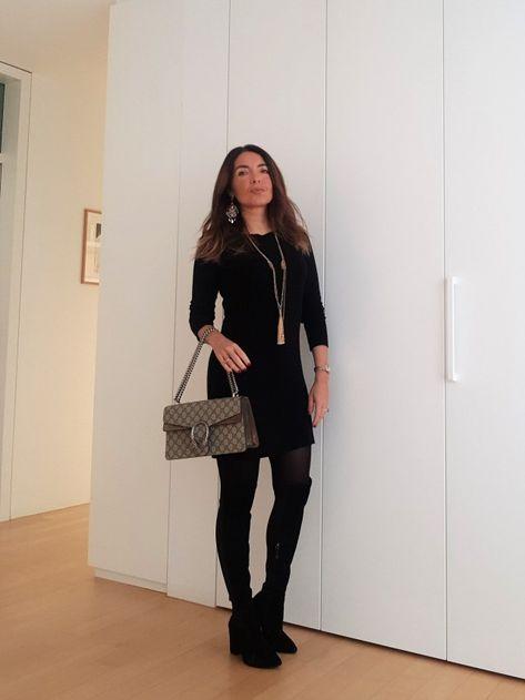 15a1b77b02cf Abito nero abbinamento. Il vestito nero di maglia  come abbinarlo per creare  i migliori look invernali. Outfit inverno. Come vestirsi bene con poco.