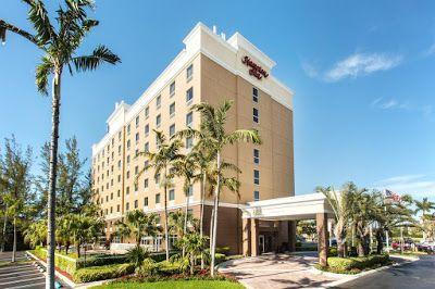 Florida Hotel Reservation Hampton Inn Hallandale Beach Aventura Hollywood In 2020 Florida Hotels Hallandale Beach Hampton Inn