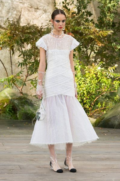 Chanel, Spring 2018 - Paris Runway Dresses Perfect for an Edgy Bride - Photos