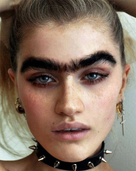 "The ""Unibrow Movement"" is the latest disturbing Instagram beauty trend #BeautyHacks"