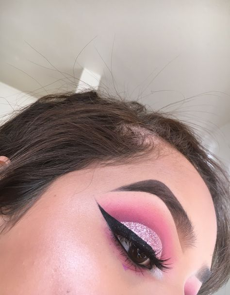 """""""Valentine's Day look #1: simple pink cut crease"""""""