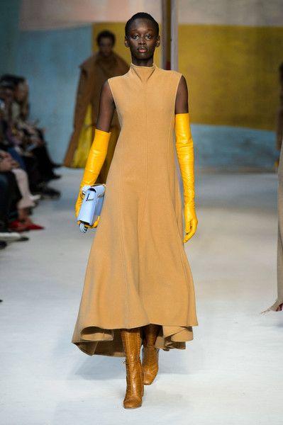 Roksanda at London Fashion Week Fall 2018 - London Fashion Week's Best Runway Dresses for Fall 2018 - Photos