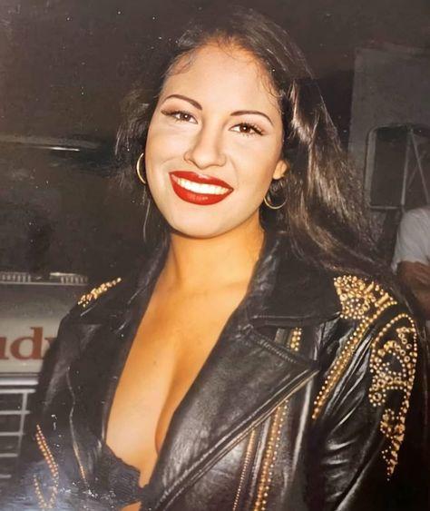 Selena Quintanilla Perez, Romeo Santos, Jenni Rivera, Daddy Yankee, Kendall Jenner, Selena Museum, Divas, Mundo Musical, Selena And Chris