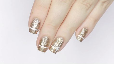 Simple white and gold, more elegant💅👠#christmas nails simple #christmas nails