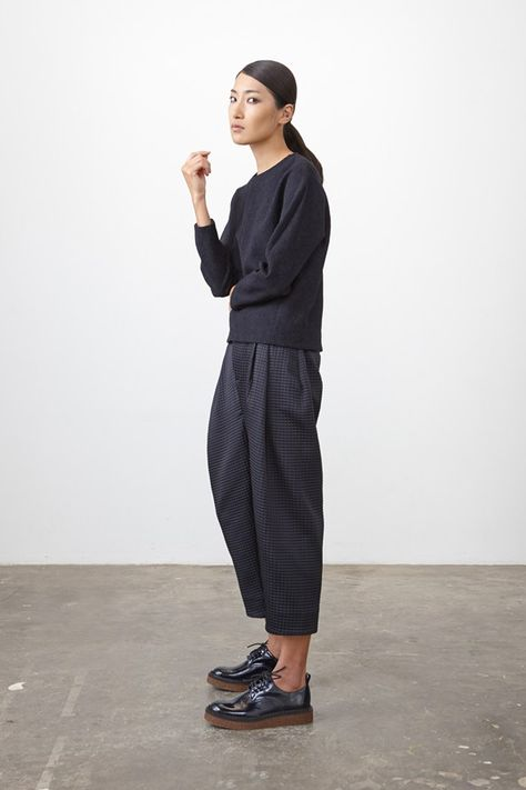 Studio Nicholson Cropped trouser with a strong tulip shape created threw deep front pleats