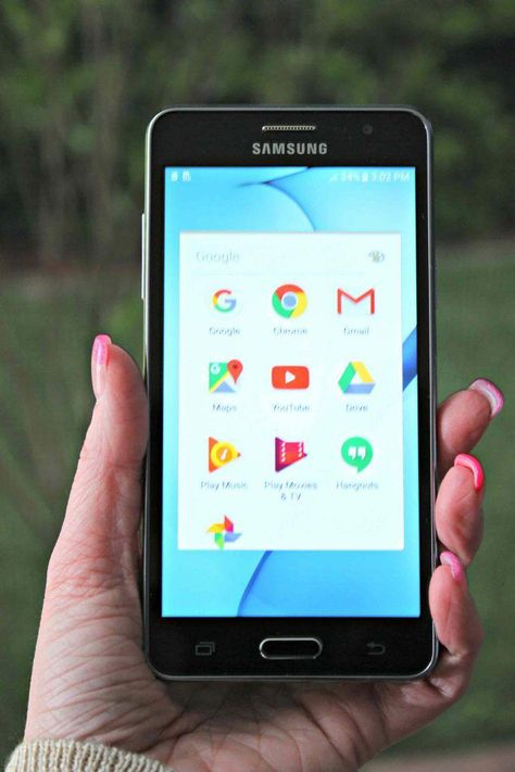 Say Hello to your Tax Refund with a new Cell Phone and the best Plan in town #ad  #YourTaxCash @FamilyMobile #bestcellphone