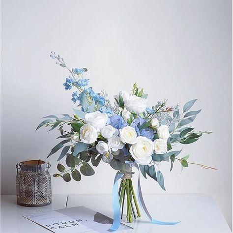 "@meeixflowers shared a photo on Instagram: ""Check me out on www.meeix.com.au #weddingbouquet #wedding #flowers #artificialflowers #silkflowers #silkbouquet #australianbride #bridal…"" • Nov 15, 2019 at 10:42am UTC"