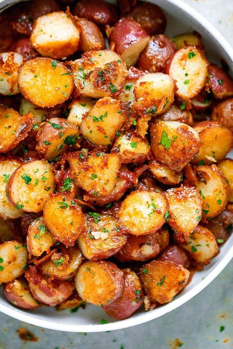 Roasted Garlic Butter Parmesan Potatoes - These epic roasted potatoes with garlic butter parmesan are perfect side for your meal! Roasted Garlic Butter Parmesan Potatoes Jean Stevens JEAN Roasted Garlic Butter Parmesan Potatoes - These epic Potato Sides, Potato Side Dishes, Vegetable Dishes, Side Dishes For Lamb, Ham Sides, Side Dishes For Steak, Cooked Vegetable Recipes, Barbeque Side Dishes, Cookout Side Dishes