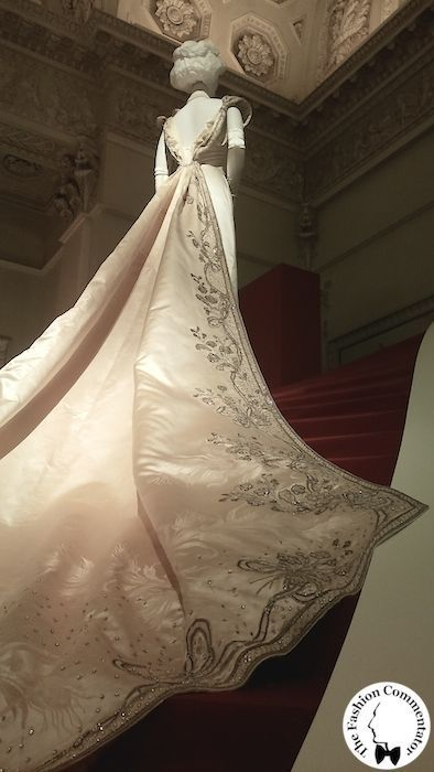 Donna Franca Florio  Court Cape -  Worth -  1902  Costume Gallery of Pa