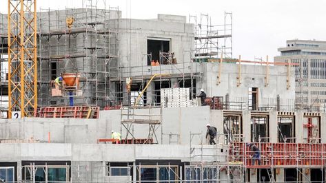 Baustelle in Berlin - abgebremste Konjunktur in Deutschland