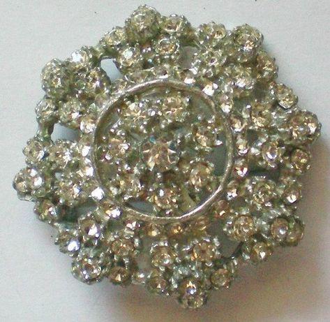 Dazzling Multi-Layered Pot Metal Paste Brooch = 4790