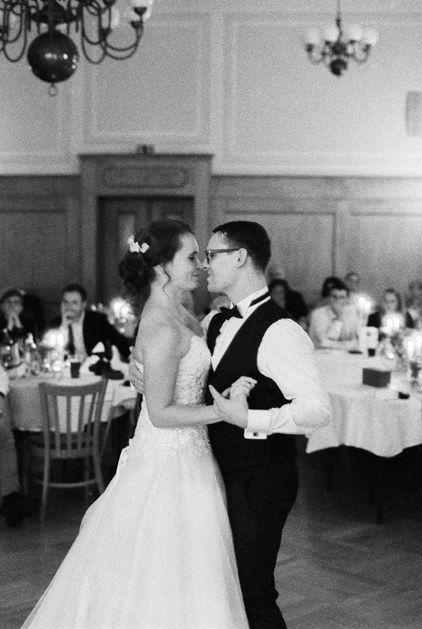 Heiraten In Moritzburg Adamsgasthof Fotografmoritzburg Fotograf Moritzburg Hochzeitsbildermoritzburg Hochzeits Hochzeit Hochzeit Bilder Hochzeitsfotograf
