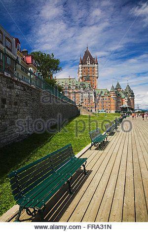 La Terrasse Dufferin Et Le Chateau Frontenac En Ete Dans La Haute Ville Quebec Quebec Canada Banque D Images Big Ben Travel Landmarks