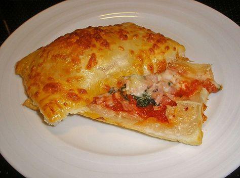 Photo of Pizzataschen aus Blätterteig von May68 | Chefkoch