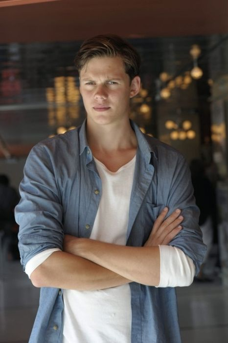baby Skarsgard.... oh cool Bill, so you take after the rest of your extremely talented (hot) family