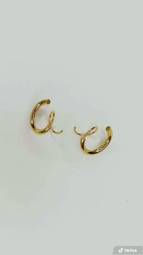Aria Faux Double Hoops | Only one piercing needed for a double piercing look!